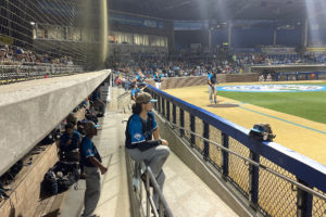 Marlins fall to Salamanders on Thursday night